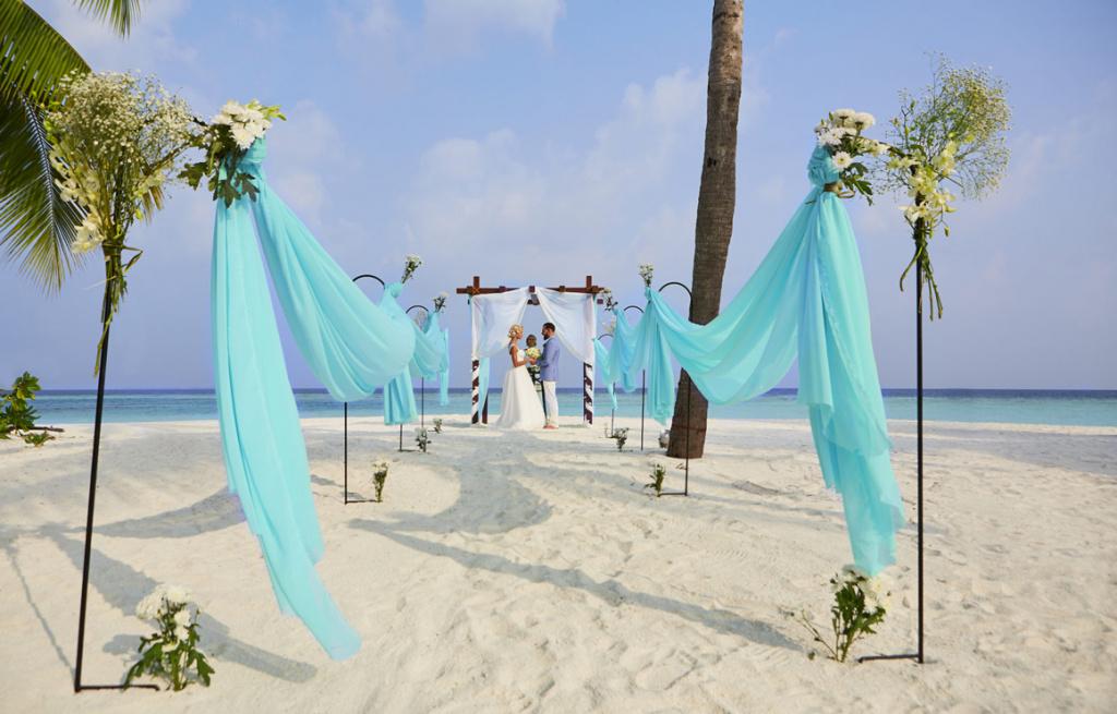 hurawalhi-wedding-4-1600x1025.jpg