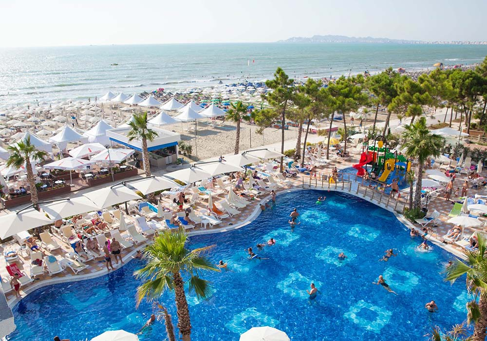 grand-blue-fafa-beach-pool-1-1920x1080.jpg