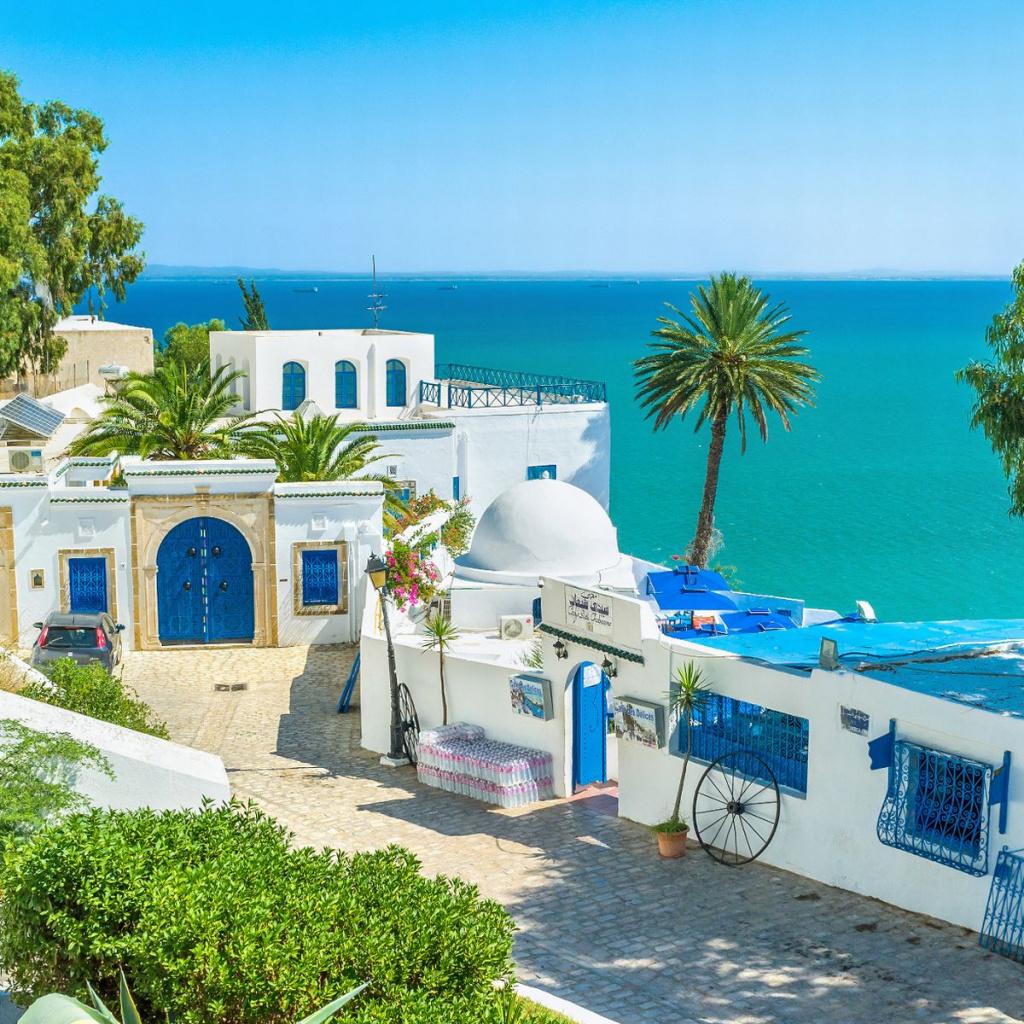 0_The-famous-resort.jpg