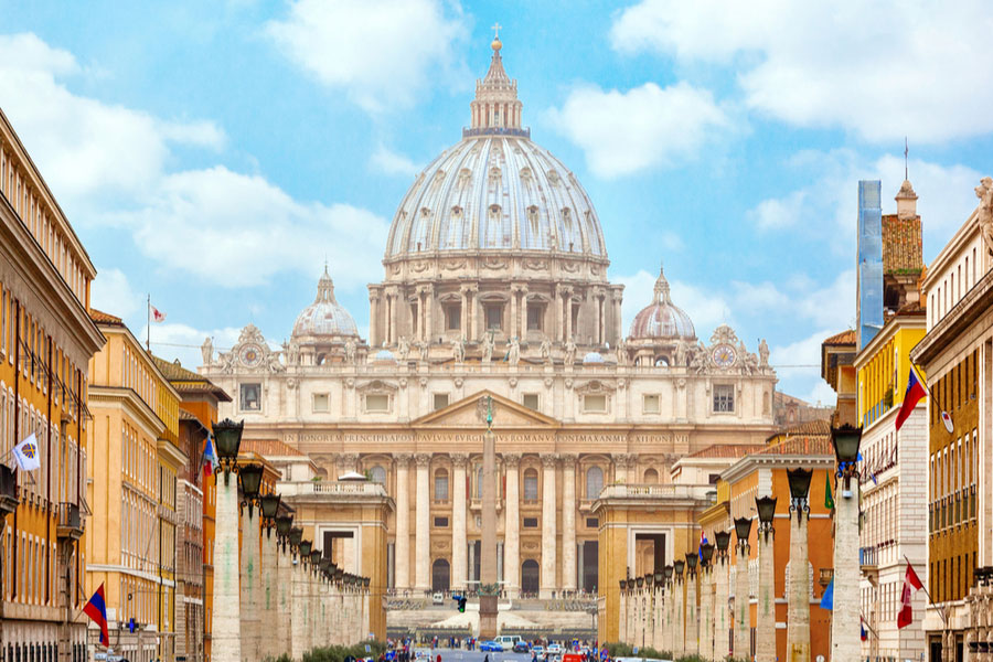 Basilica_di_San_Pietro1.jpg