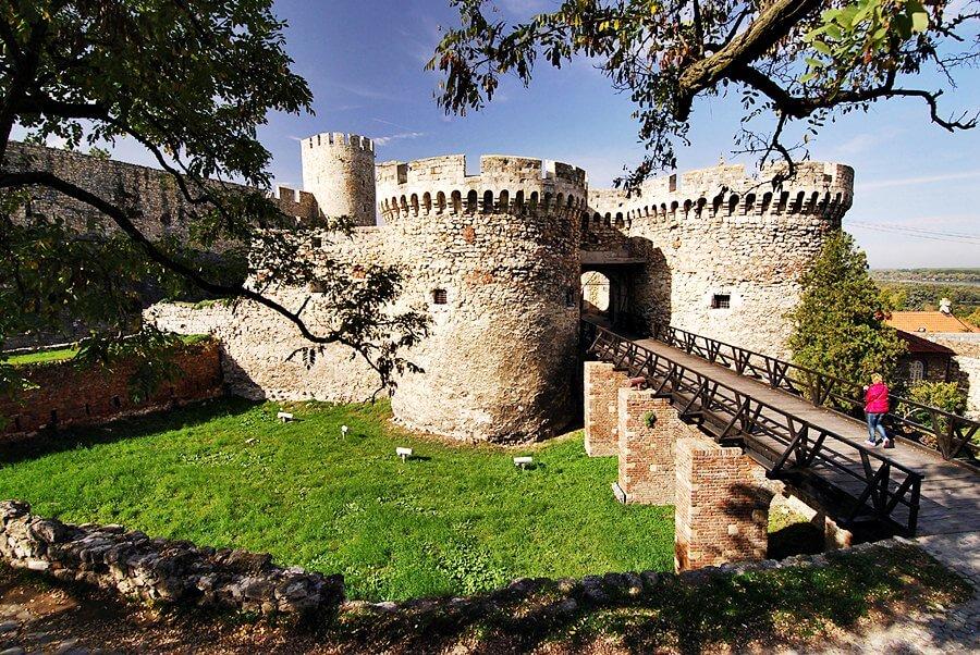 Kalemegdan-fortress.jpg
